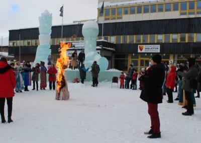 Arrangement på vinteren på torget i Kirkenes